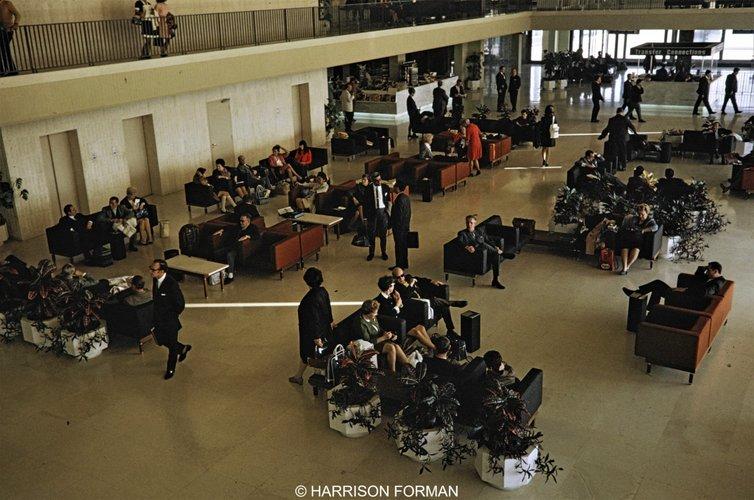 αεροδρόμιο Ελληνικό 1960 Harrison Forman 4.jpg