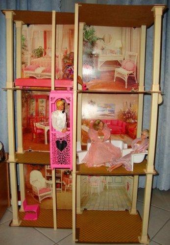1988 Barbie Town House 2.jpg