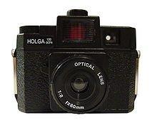 220px-Holga_120_GCFN.jpg