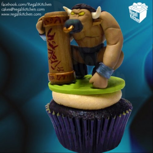 DOTA-Cupcake_DOTA-2_Earthshaker-Cupcake_PC-Game_Gaming_Gamer_Geek_Geeky_Bull_Minotaur_Magic.jpg