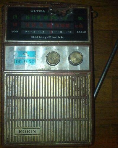 παλια ραδιοφωνα Robin 1 Aardvark.jpg