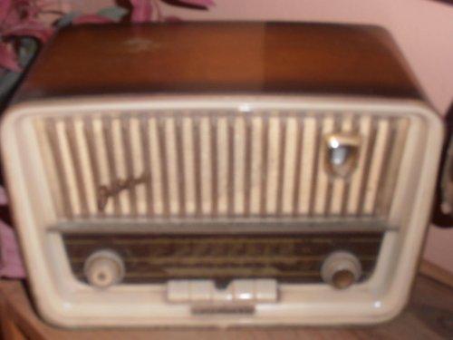 παλια ραδιοφωνα stakovios 2.jpg