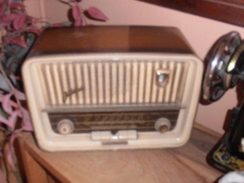 παλια ραδιοφωνα stakovios.jpg