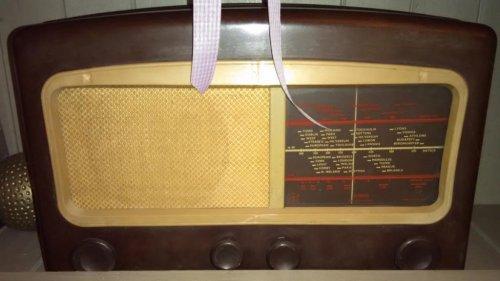 παλια ραδιοφωνα Wally 1.jpg